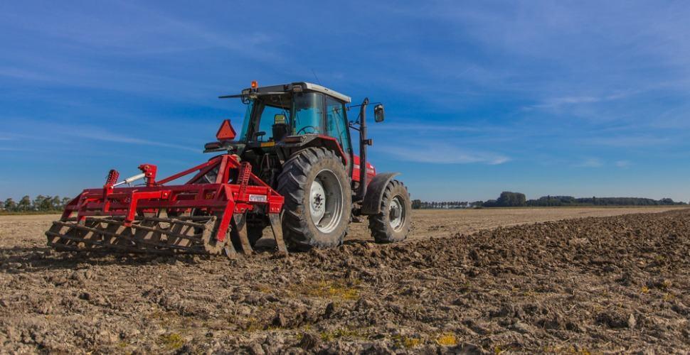 farmer_plouging_field